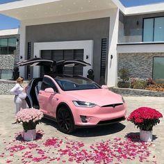 Bmw Autos, Girly Car, Top Luxury Cars, Lux Cars, Pink Cars, Pretty Cars, Car Goals, Fancy Cars, Future Car