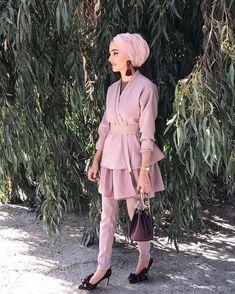 HijabeeBeauty Hijab Fashion Summer, Modest Fashion Hijab, Pakistani Fashion Casual, Modern Hijab Fashion, Hijab Fashion Inspiration, Arab Fashion, Islamic Fashion, Muslim Fashion, Boho Fashion