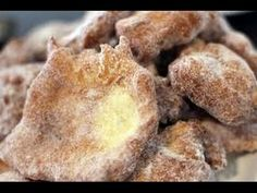 MALASADAS - Portuguese fried dough recipe - Cooking with mom - Easy Ethnic Recipes Portuguese Donuts Recipe, Malasadas Recipe Portuguese, Portuguese Sweet Bread, Portuguese Desserts, Portuguese Recipes, Portuguese Food, Donut Recipes, Snack Recipes, Dessert Recipes