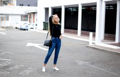 Outfit/Streetstyle - Mom Jeans and sneakers