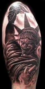 What does statue of liberty tattoo mean? We have statue of liberty tattoo ideas, designs, symbolism and we explain the meaning behind the tattoo. Life Tattoos, Cool Tattoos, Tatoos, Statue Of Liberty Tattoo, Sick Tattoo, Tattoo Ink, Ink Master, Skin Art, Best Artist
