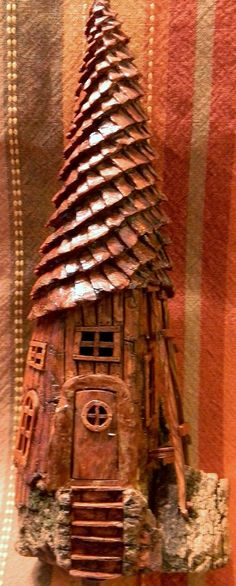 Very beautiful wood -- Front Spiral roof house cottonwood bark carving by N… Fairy Garden Houses, Gnome Garden, Kobold, Fairy Crafts, Fairy Furniture, Gnome House, Fairy Doors, Miniature Fairy Gardens, Fairy Land