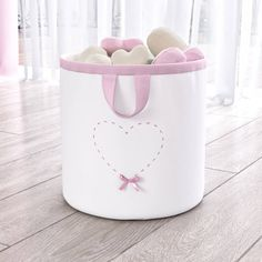1 million+ Stunning Free Images to Use Anywhere Fabric Basket Tutorial, Toy Basket, Clothes Basket, Organize Fabric, Baby Sewing Projects, Vide Poche, Basket Decoration, Kids Corner, Sewing Accessories
