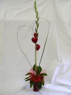 Display for Valentine's Day  www.zaraflora.com/valentines-day-flowers.htm