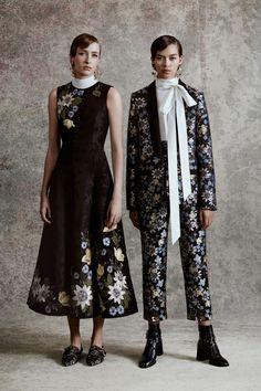 Erdem Resort 2018 Fashion Show Vogue Paris, Creative Closets, Fashion 2018, Womens Fashion, Erdem, Fashion Show Collection, Fall Looks, Mannequins, Lanvin