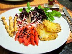 Salada com abacaxi grelhado