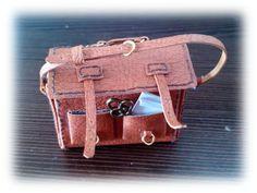 Villa Pulgarcito: Tutorial bolsa cuero.  Tutorial - how to make miniature leather satchel
