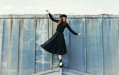 Parisienne sur les toits de zinc... Silhouette Céline.