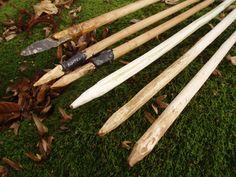 sagaies et harpons Assegai and harpoons http://aquestforknowledge.over-blog.com/article-armes-weapons-prehistoire-prehistory-armes-de-jet-throwing-weapons-sagaie-et-harpon-assegai-and-h-124572709.html