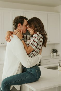 lifestyle photography Lifestyle home photo shoot. Couples in the kitchen. Couple Photoshoot Poses, Couple Photography Poses, Lifestyle Photography, Family Photography, Couple Shoot, Photography Women, Photoshoot Ideas, Photography Business, Lifestyle Blog