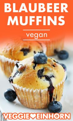 Baking simple vegan muffins Fast vegan muffins with berries Blueberry muffins without egg Blueberry Muffins With Oil, Blue Berry Muffins, Breakfast Cookies, Breakfast Recipes, Streusel Muffins, Cookie Recipes, Vegan Recipes, Dessert Recipes, Gourmet