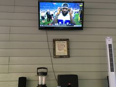 Custom job surround sound digital cable and tv on the wall! B's Mexico services!
