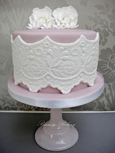 Loving the level of work that has gone into this from Barney's Bakery.  So much detail, yet the simple choice of colours keeps it very elegant.