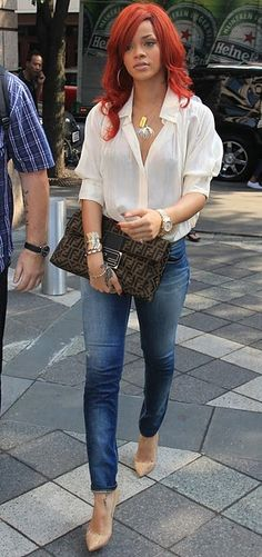 I love the chic simplicity of this. I am also in dire need of clutches.