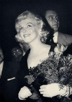 Marilyn at the David Di Donatello Awards at the Italian Cultural Institute, May 13, 1959.