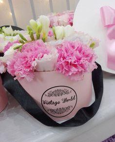 #vintageworld #flower #flowerbox #virág #virágdoboz Flower Boxes, Flowers, Carnations, Cosplay, Vintage, Window Boxes, Planter Boxes, Vintage Comics, Royal Icing Flowers
