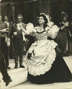 Virginia Zeani Violetta in La traviata Act 1  Metropolitan Opera New York - #VerdiMuseum