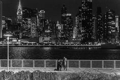 뉴욕 롱 아일랜드 시티의 프로포즈 현장 : 커플들의 프로포즈 현장을 찍어주는 사진작가(사진)