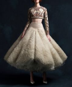 Krikor Jabotian S/S 2018 Couture High Fashion Dresses, Fashion Outfits, Pretty Dresses, Beautiful Dresses, Opera Dress, Krikor Jabotian, Vintage Dresses, Vintage Outfits, Fairy Dress
