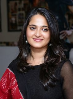 Anushka Shetty Wallpapers In Black Dress - Anushka Shetty