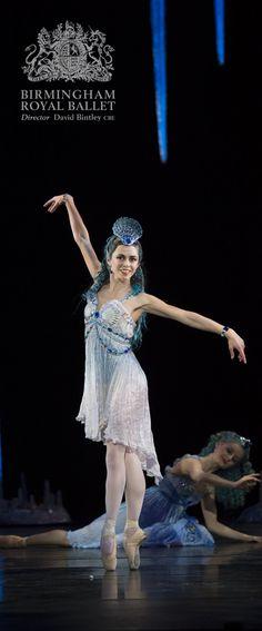 Birmingham Royal Ballet - Aladdin; Natasha Oughtred as Sapphires; photo: Bill Cooper