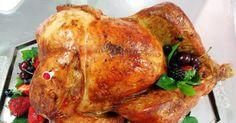 Essa receita de peru para o Natal fácil de fazer é perfeita principalmente, para quem nunca fez peru assado, já que é simples de fazer e o sabor é agradável a todos os paladares