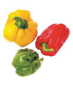 How to Select, Store, and Cook Summer Produce - Gardening - Peppers Green Bell Peppers, Stuffed Green Peppers, How To Store Peppers, Storing Fruit, Sources Of Vitamin A, Best Fruits, Food Hacks, Food Tips, Cooking Tips