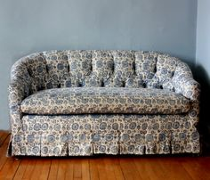 Blue & White Tufted Sofa for a great vintage look