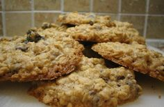 Gluten-Free Oatmeal Cookies | a perfect treat to send with the kids to school.