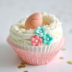 Easter cupcake ( for gluten free desserts visit www.glutenfreedesserts.info )