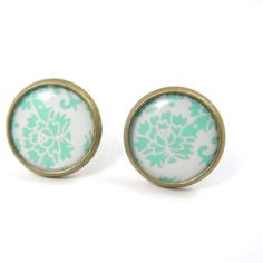 Mint Earring Studs - Floral Earring Posts - Romantic Jewelry - Free... (€13) ❤ liked on Polyvore featuring jewelry, earrings, accessories, floral stud earrings, nickel free jewelry, bronze earrings, mint jewelry and stud earrings