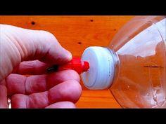 Water Tank easy to achieve 5 liters. Backyard Chicken Coops, Diy Chicken Coop, Chickens Backyard, Hydroponic Farming, Aquaponics System, Keeping Chickens, Raising Chickens, Chicken Watering System, Rabbit Farm
