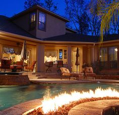Fire Pit Pool | 36 Home Must-Haves That Will Make Your House Amazing
