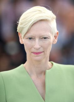 Tilda Swinton Short Side Part - Tilda Swinton sported a short side-parted hairstyle at the Cannes Film Festival photocall for 'Okja.'