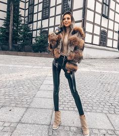 Kolejna nowość na 2019✨, kurtka z materiału obszyta jenotem ✨Jak Wam się podoba ? Dostępne wszystkie rozmiary. Wkrótce online na… Fur Jacket, Fur Coat, Tak Tak, Nasa, Winter Fashion, Winter Jackets, Instagram, Style, Latex