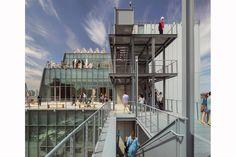 Son recientes, algunos incluso sin inaugurar, y llevan el sello de los grandes arquitectos