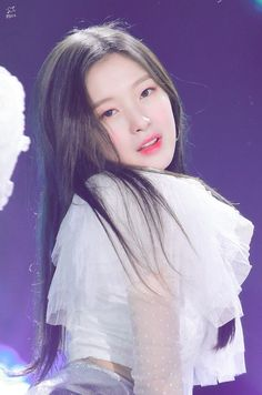 Arin Oh My Girl, Kim Jennie, Beautiful Asian Girls, Female Characters, Kpop Girls, Cute Girls, Poses, Celebrities, Pretty
