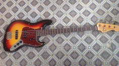 Bravewood Jazz Bass 1963. Built by John Elliot.