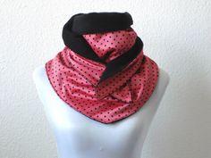 XL Dreiecksschal gepunktet rot schwarz von lucylique - Mode und Accessoires made in Leipzig auf DaWanda.com