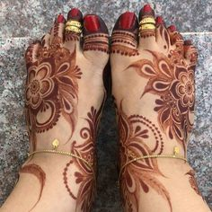Rose Mehndi Designs, Khafif Mehndi Design, Henna Designs Feet, Mehndi Designs For Girls, Modern Mehndi Designs, Dulhan Mehndi Designs, Mehndi Design Pictures, Wedding Mehndi Designs, Beautiful Henna Designs