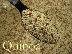 La quínoa es un alimento andino de la familia de los cereales. Este producto tiene enormes cualidades nutricionales que favorece a todas las personas y en especial a bebes y niños. La quínoa aporta al cuerpo nutrientes como: -proteínas vegetales -vitamina B -calcio -hierro -fosforo -potasio -magnesio -grasas buenas o insaturadas -aminoácidos esenciales -fibra -hidratos de carbono