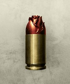 Rose bullet! This is sweet and would make an awesome keychain charm, defintely want one Arma Letal, Rose Thorn Tattoo, Bullet Keychain, Bullet Necklace, Bullets, Bullet Art, Guns And Roses, Revolvers, Vanitas