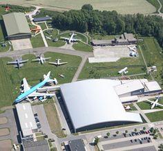 Aviodrome - Luchtvaart themapark. Als we het hebben over avonturen in Flevoland, dan hoort dit museum daar echt bij. Een echt cadeautje voor, in dit geval zoon- en manlief die beiden gek zijn op vliegtuigen.