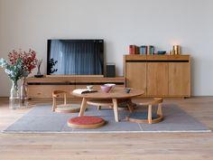 Minimalist Dining Room, Japanese Living Rooms, Interior Furniture, Living Room Interior, Minimalist Dining Room Small, Minimal Living Room, Floor Seating Living Room, Home Decor Furniture, Japanese Home Design