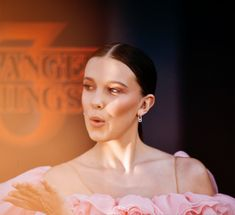 Millie Bobby Brown at the Stranger Things 3 Premiere (June Photo by Matt Winkelmeyer. The Stranger, Millie Bobby Brown, Bobby Brown Stranger Things, Stranger Things Aesthetic, Netflix, Sadie Sink, Queen, Beautiful Person, My Idol