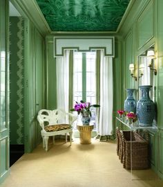 Green Malachite Powder Room // Shelley Johnstone Paschke for the Lake Forest Showhouse in Veranda Magazine #malachite #blueandwhite