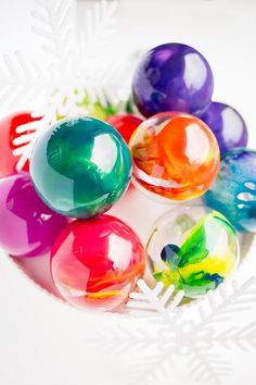 DIY Melted Crayon Swirled Ornament