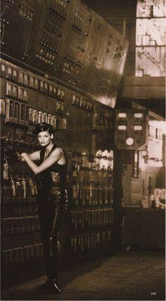 ☆ Linda Evangelista | Photography by Peter Lindbergh | For Harper's Bazaar Magazine US | September 1992 ☆ #lindaevangelista #peterlindbergh #harpersbazaar #1992