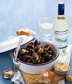 Two Oceans Wines - South Africa Mussel Chorizo Hotpot Recipe Blue Water Grill, Sushi Restaurants, Mussels, Fish And Seafood, Chorizo, Mac And Cheese, Wines, South Africa, Nom Nom