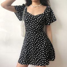 Vintage V-neck daisy dress with waist floral platy skirt · FE CLOTHING · Online Store Powered by Storenvy